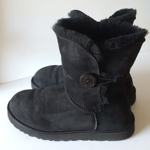 UGG Bailey Button Short Boot Black on Black US 10